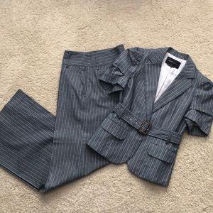 BCBG 2 piece set Sizes Top Small / Pants 6